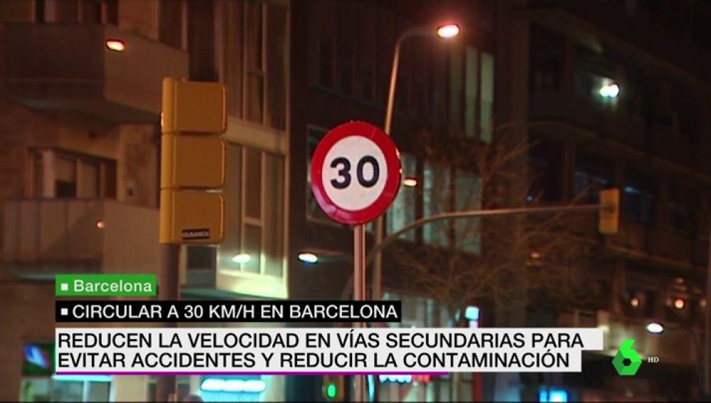Barcelona limita la velocidad en vías secundarias a 30 km/h para evitar accidentes y reducir la contaminación