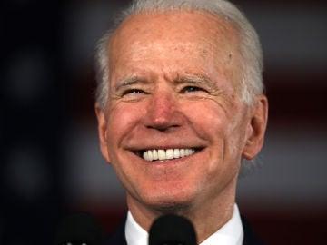 Joe Biden, sonriente tras su victoria en Carolina del Sur