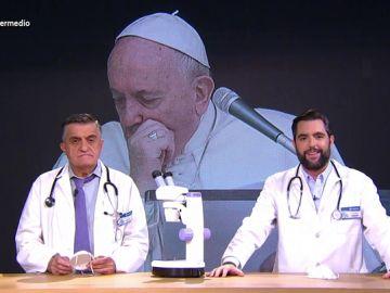 Desde políticos rezando hasta pruebas al papa Francisco: así afecta el coronavirus a la Iglesia