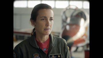 La primera piloto de caza, la primera ministra de Defensa, la primera mujer general: los avances de la mujer en el Ejército