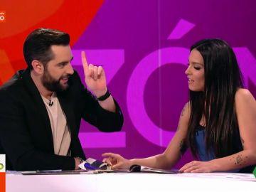 """La divertida confesión de Dani Mateo sobre la diferencia de edad entre las parejas: """"Yo 'Leonardodicapreo'"""""""