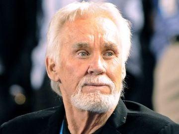Imagen de archivo de la estrella del country Kenny Rogers