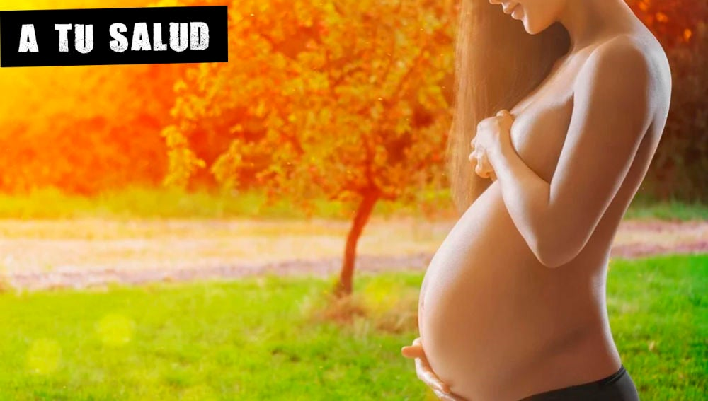 Imagen de archivo de una mujer embarazada