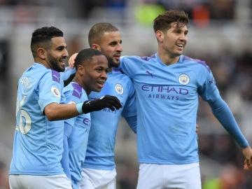 Mahrez, Sterling, Walker y Stones