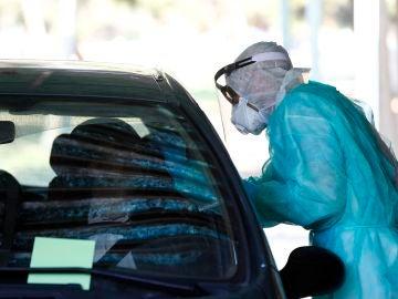 Inicio de la toma de muestras en el hospital Militar de Zaragoza