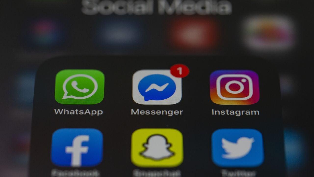 Distintas aplicaciones de mensajería (WhatsApp, Messenger, Instagram, Facebook, Snapchat, Twitter)
