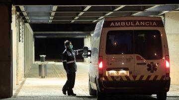 Ambulancia en el Hospital Universitario de La Plana en Vila-real