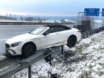 El coche de Jerome Boateng tras el accidente