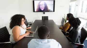 Zoom permite hasta 100 personas en una misma videollamada