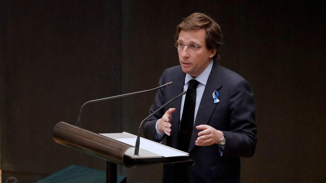 José Luis Martínez-Almeida, alcalde de Madrid, interviene en un pleno extraordinario