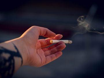 Sanidad confirma que los fumadores son más vulnerables al coronavirus