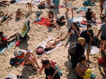 Agosto en una playa de España, verano de 2019