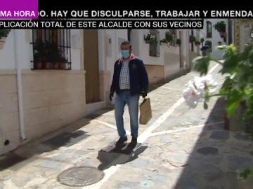 Cuando la humanidad supera el trabajo: la ejemplar actitud de un alcalde para proteger a sus vecinos del coronavirus