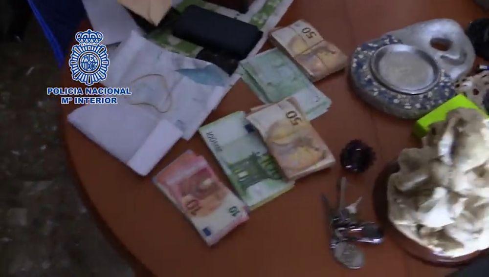 La Policía Nacional desmantela una organización que planteaba ejecutar ERTEs en 50 empresas ficticias