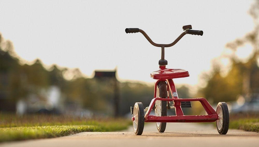 ¿Pueden los niños salir a la calle con bicicleta y patinete?