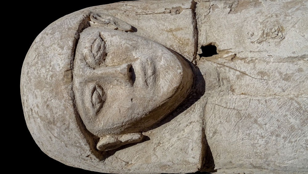 Hallan la momia de una joven del Antiguo Egipto que vivio hace 3.600 anos