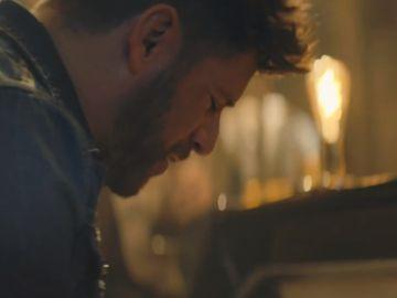 Pablo López en el vídeo de Mariposa