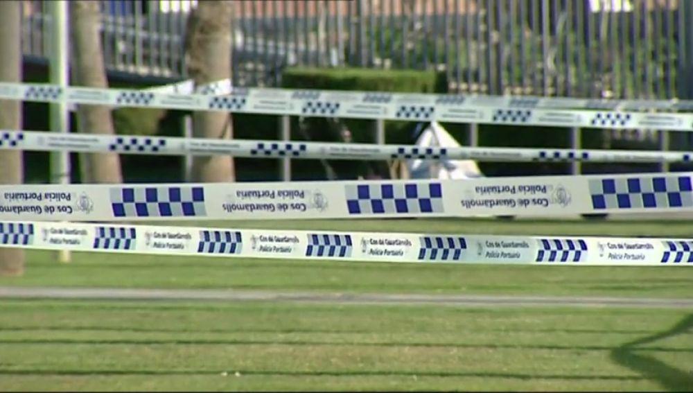 La Policía precinta las zonas de la Barceloneta en las que se concentraban los deportistas
