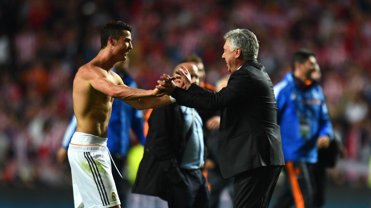 Cristiano Ronaldo y Carlo Ancelotti, tras ganar la Décima en Lisboa