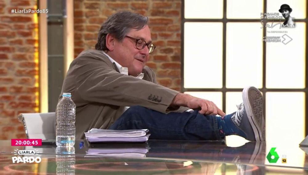 Los llamativos calcetines de Paco Marhuenda en Liarla Pardo como guiño a su etapa en el Ministerio