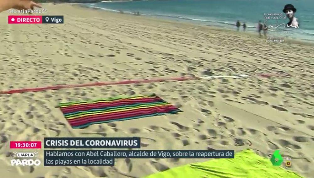 Franjas rojas, blancas y verdes para crear espacios de seguridad: así abrirán las playas de Vigo en verano