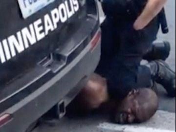 Muere George Floyd, un hombre afroamericano a manos de la Policía