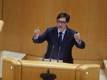 El ministro de Sanidad, Salvador Illa, interviene durante la sesión del control al Gobierno.