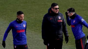 El 'Mono' Burgos, en un entrenamiento del Atlético de Madrid