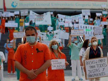 Imagen de archivo de sanitarios del Hospital Gregorio Marañón participan en una concentración