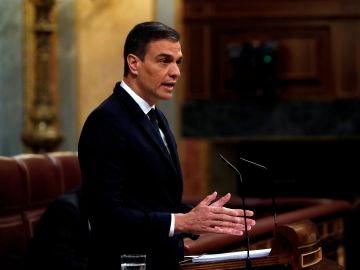 El presidente del Gobierno, Pedro Sánchez, durante su intervención en la sesión de control