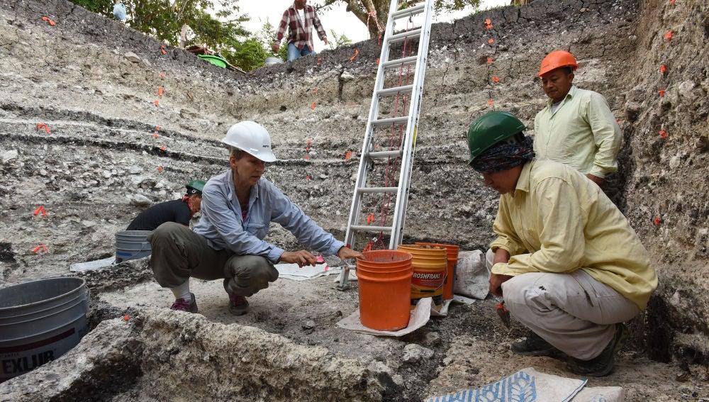 Hallan el monumento maya mas grande y antiguo conocido