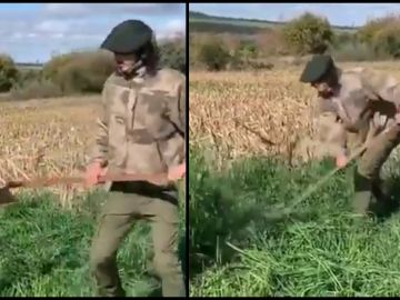 Edinson Cavani, trabajando en el campo