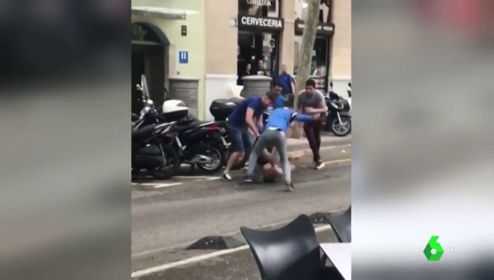 Prisión provisional sin fianza para los cinco detenidos tras propinar una paliza a un hombre para robarle el reloj en Barcelona