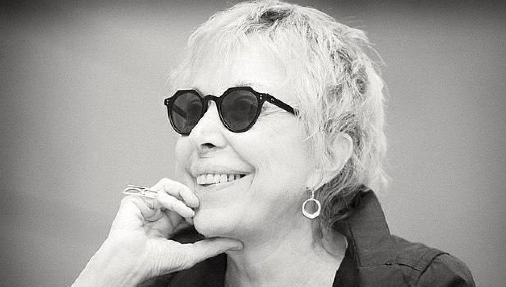 Imagen de la actriz Rosa María Sardà compartida en Twitter por Pedro Sánchez