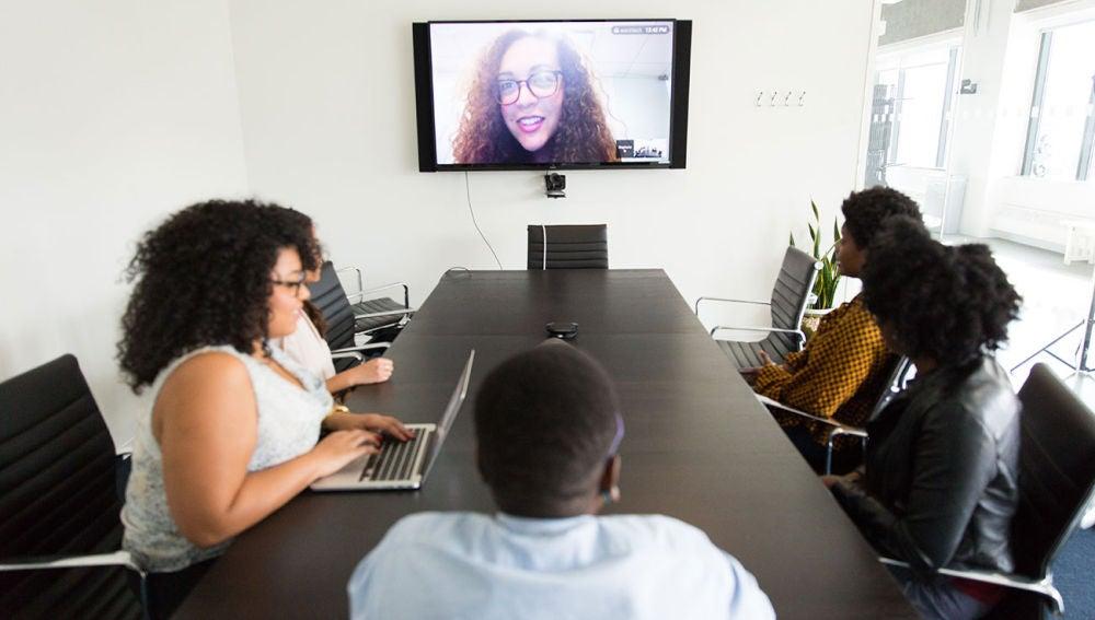 Videollamada en una TV