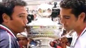 Hugo Sánchez junto a su hijo.