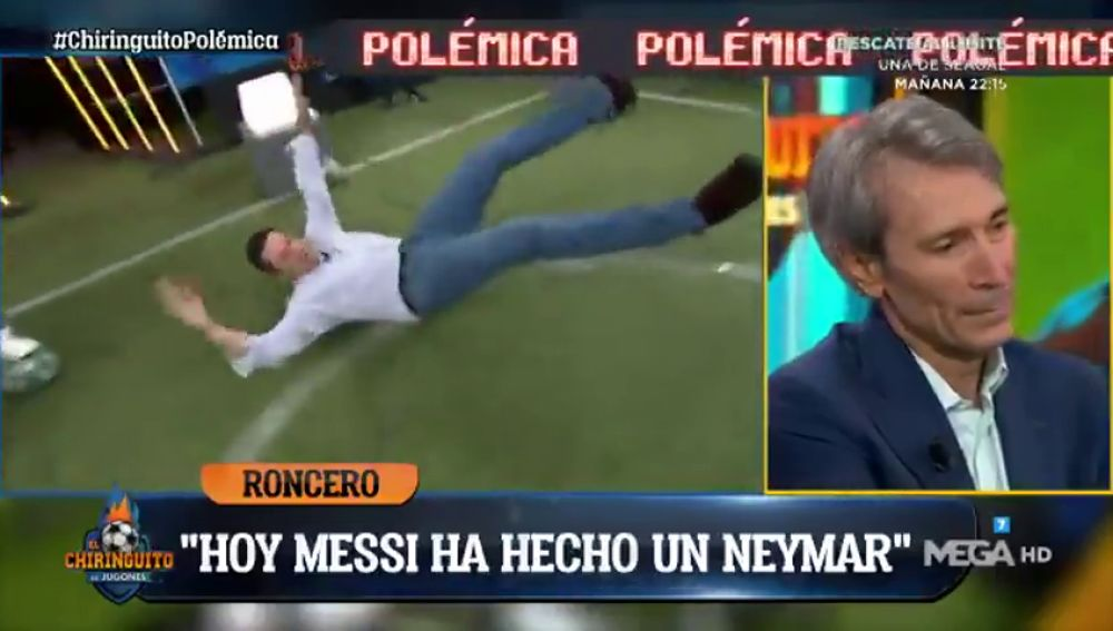 Tomás Roncero imita a Leo Messi y se tira en el suelo del plató de 'El Chiringuito'