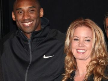 Kobe Bryant y Jeanie Buss
