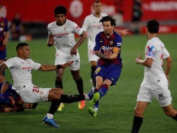 Diego Carlos y su entrada a Lionel Messi