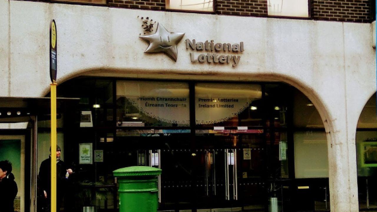 Fachada de Lotería Nacional de Irlanda en Dublín.