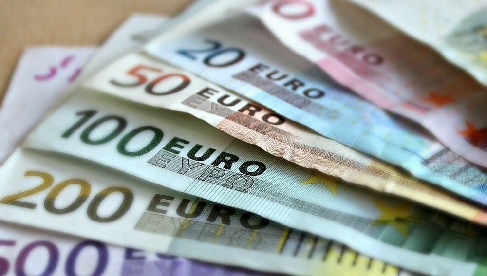 Imagen de archivo de dinero en efectivo
