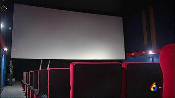 Imagen de una sala de los Cines Embajadores