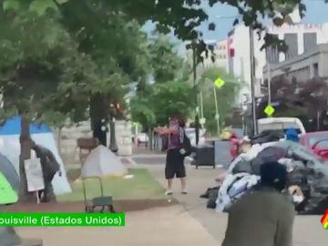 Las duras imágenes del asesinato de un manifestante antirracista en Kentucky