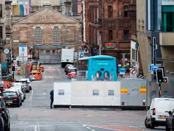 Lugar acordonado por la Policía en las inmediaciones del hotel Premier Inn de Glasgow donde se produjo el apuñalamiento