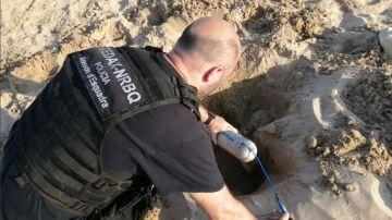 Los Tedax han desalojado la playa y han detonado el explosivo