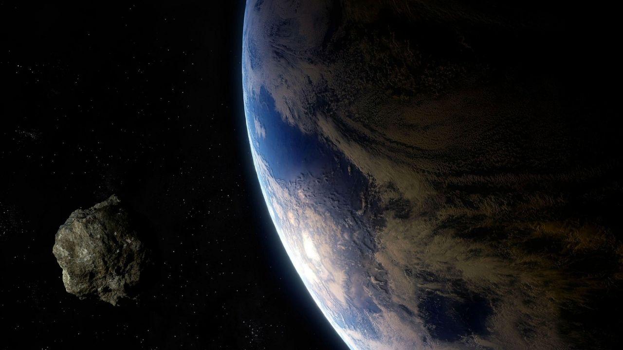 """Cuatro asteroides """"potencialmente peligrosos"""" se acercan esta semana a la Tierra"""