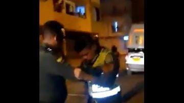 Dos policías presuntamente borrachos chocan con el coche patrulla