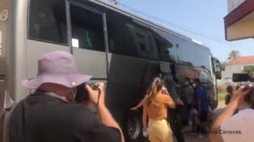 La presión vecinal obliga a desalojar a seis migrantes en cuarentena en Los Nietos (Murcia)
