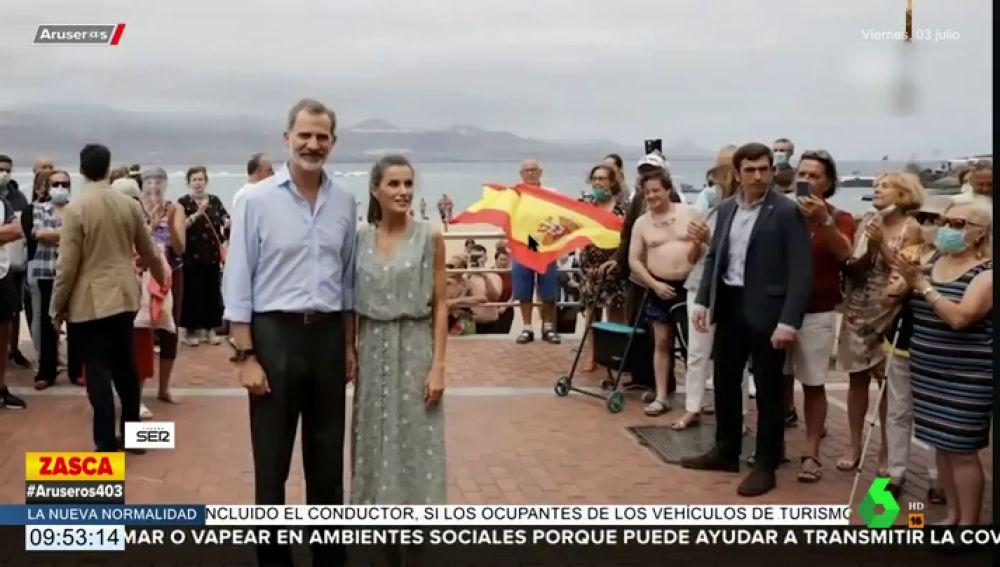 """Un hombre """"tocándose sus partes"""" eclipsa la fotografía del rey Felipe y la reina Letizia en Canarias"""