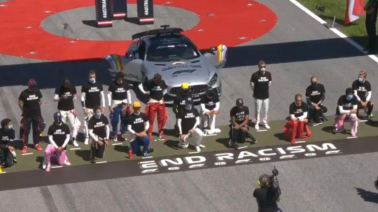 Carlos Sainz, entre los pilotos que no se han arrodillado